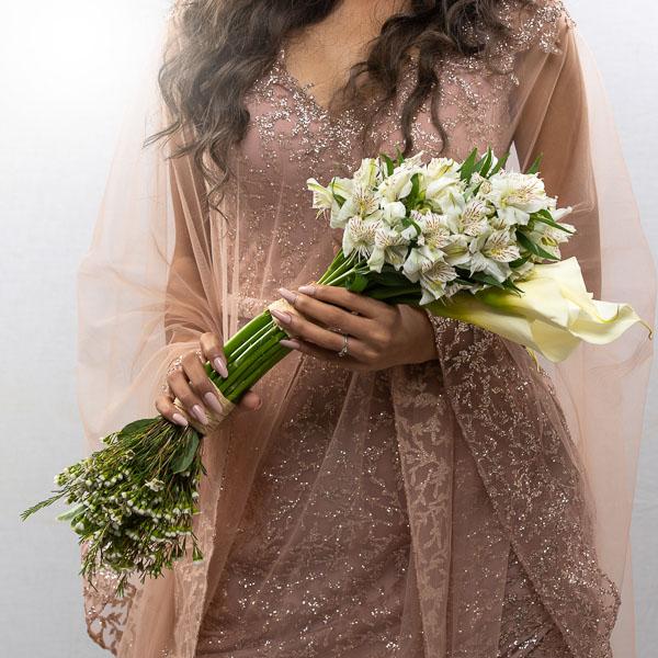 باقة الزفاف الرقيقة من سارة