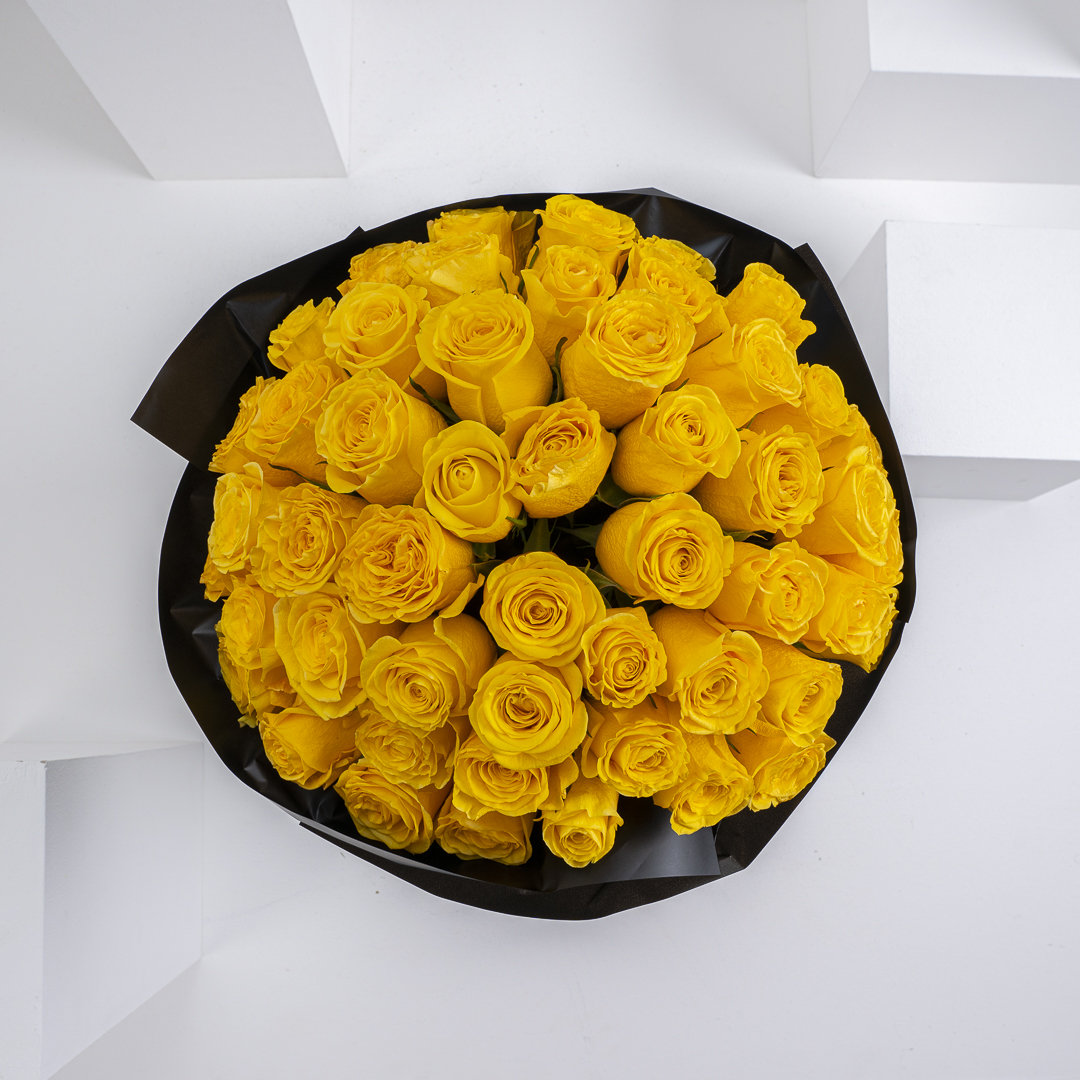 50 Roses hand bouquet III