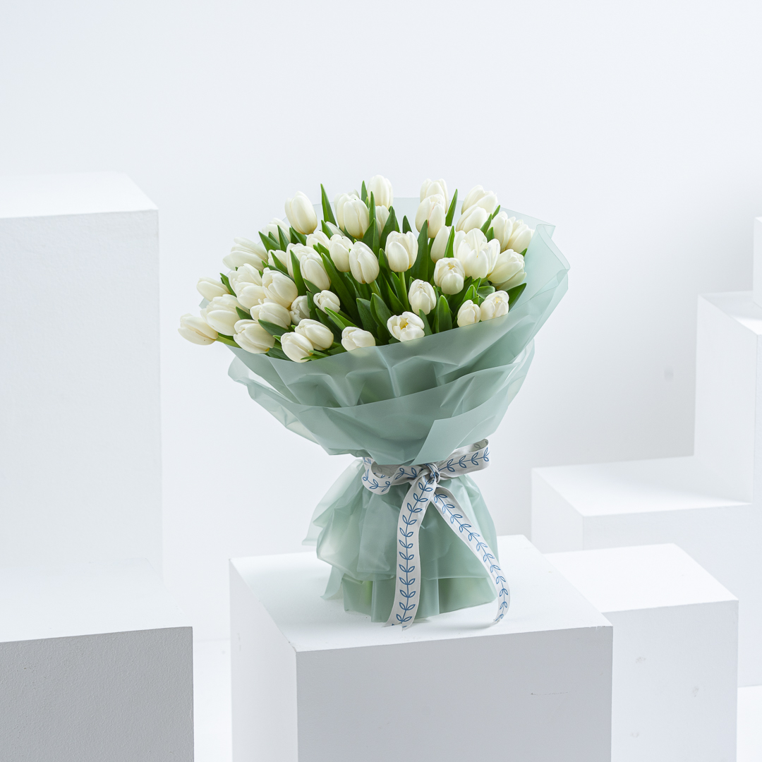 50 White tulip bouquet