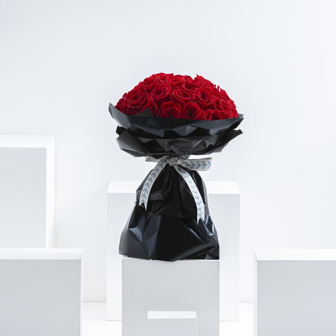 35 Roses hand bouquet III