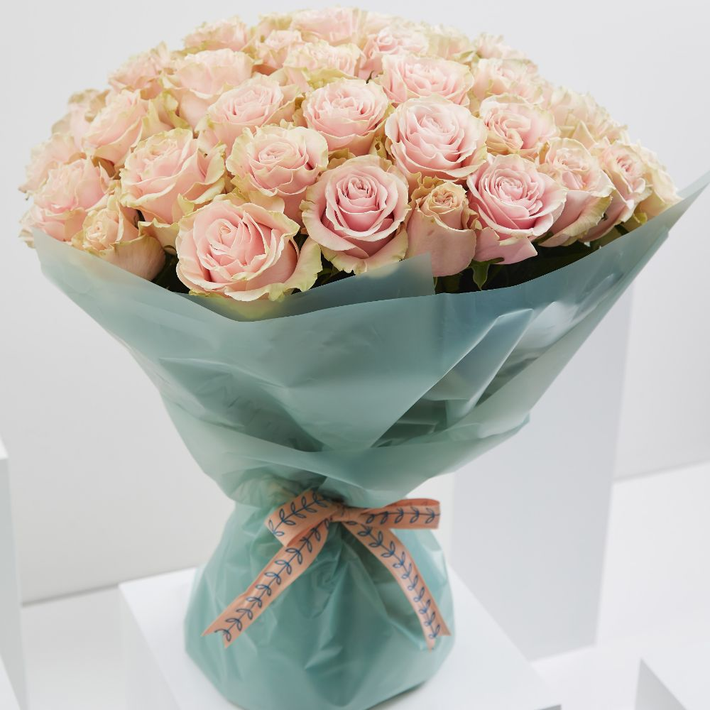50 Pale Pink Roses