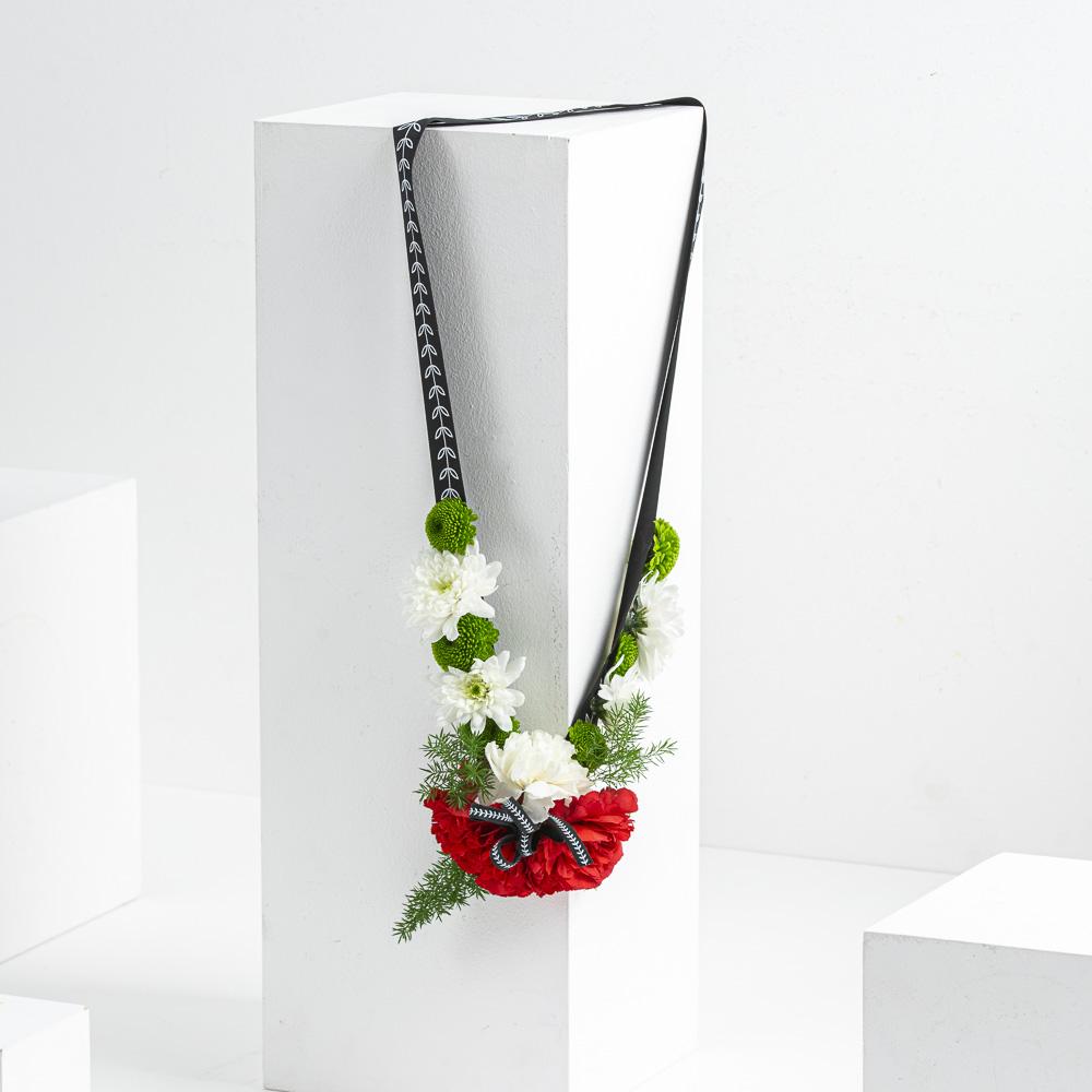 UAE Garland (Half Flower)