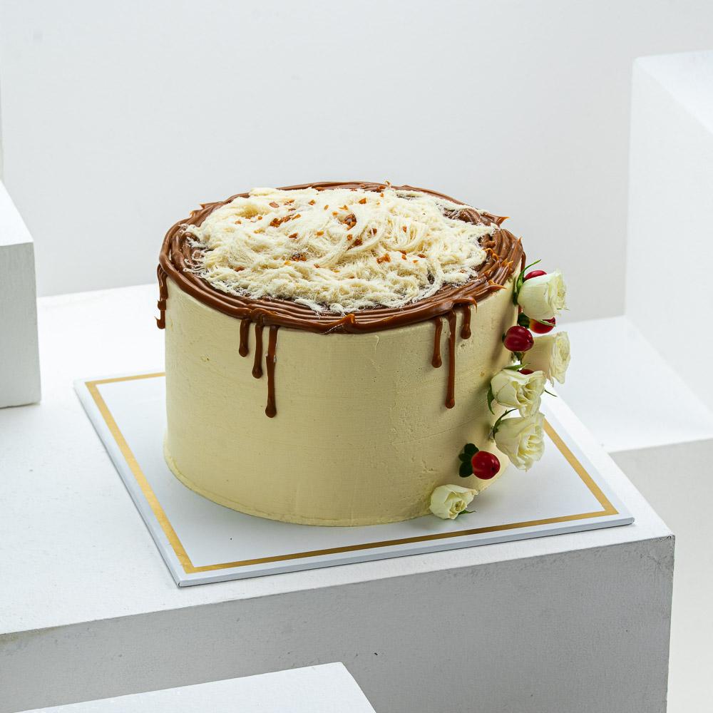 Zwara Vanilla Caramel Cake